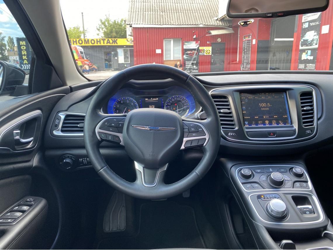 Chrysler 200 -2016-