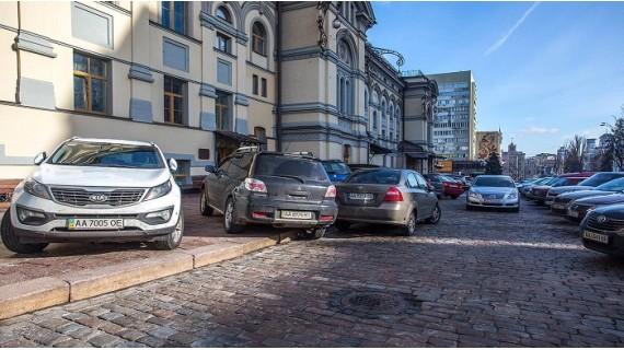 Закон о «парковках» вступил в силу