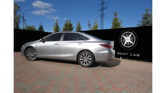 Toyota Camry Hybrid XLE